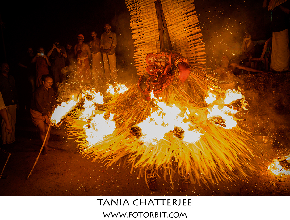 KERALA THEYYAM: THE DANCE OF THE AVTARS!